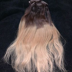 VP Fashion Blonde Ombré 20 Inch Clip in Extensions